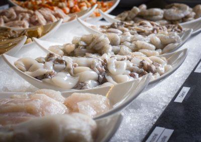 Haikky Teppanyaki-Zutaten Calamari und weitere Meeresfrüchte auf Eis