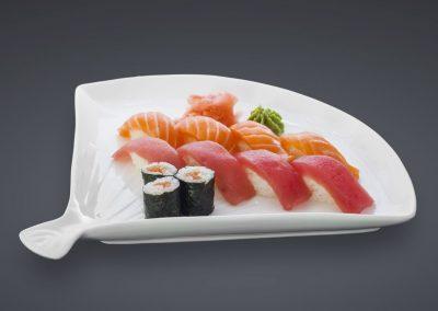 Haikky Sushi & Maki Set mit Thunfisch & Lachs, dazu Wasabi und Ingwer